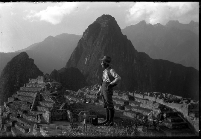 Martín Chambi, el primer gran fotógrafo indígena de Latinomérica
