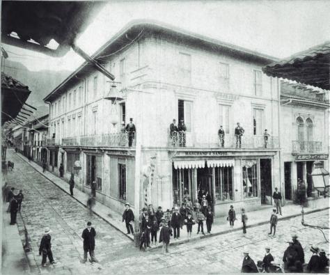 Pag 58 Segunda Calle Real - Libro Bogotá 1900 publicado por Villegas Editores