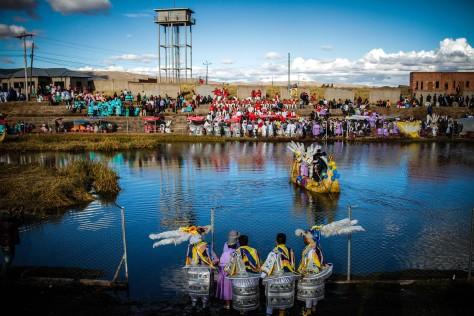 """""""Balseada"""" en Tiwanaku"""